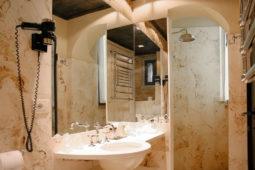 Castello di Monterone - Camera Feritoie: bagno