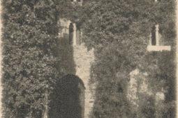 Cortile del Castello di Monterone nel 1927