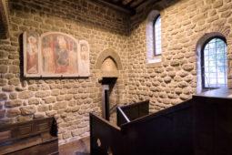 Castello di Monterone - Ingresso e affresco