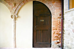 Castle Monterone - Opretoia room: entrance