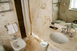 Monterone Castle: Duca panoramic room: bathroom